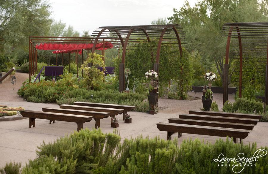 Desert botanical garden design shoot with meant2be events for Botanical garden designs