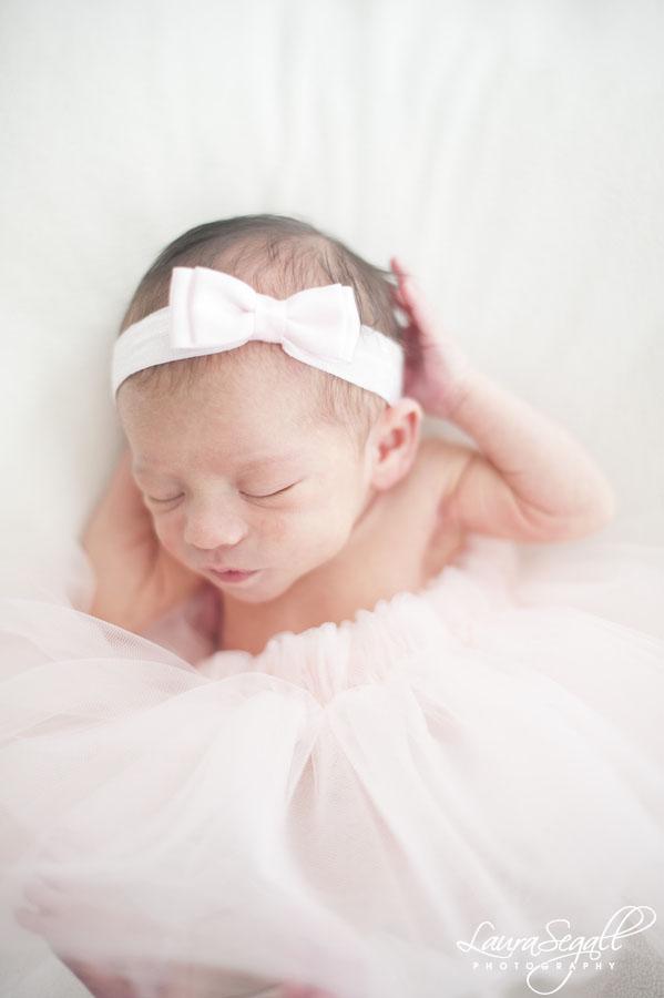 Maternity and newborn portrait photographer
