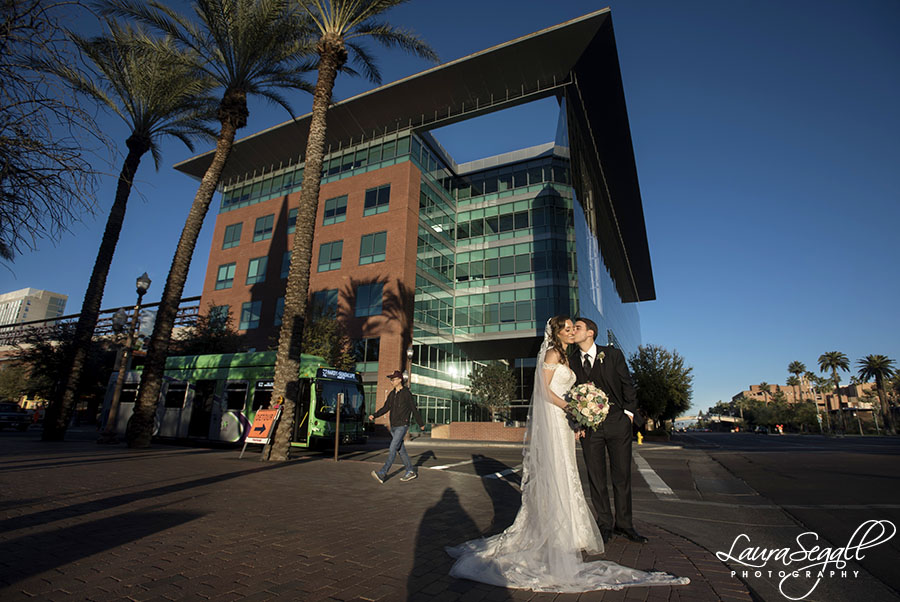 Buttes at the Phoenix Marriott Tempe Top of the Rock wedding pictures